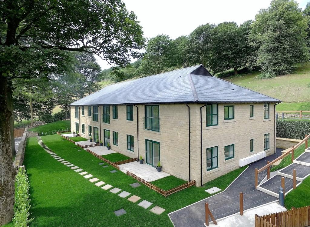 2 Bedrooms Apartment Flat for sale in 7 The Summerhouse Stoneswood Saddleworth