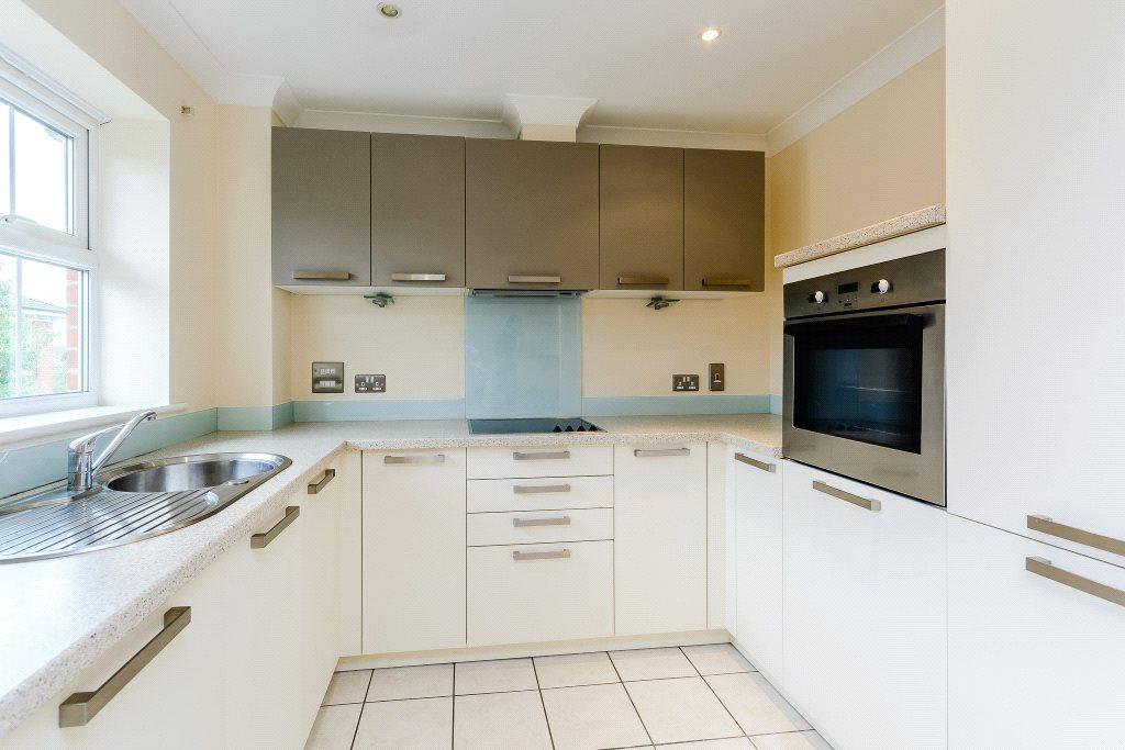 2 Bedrooms Apartment Flat for sale in Jago Court, Newbury, Berkshire, RG14
