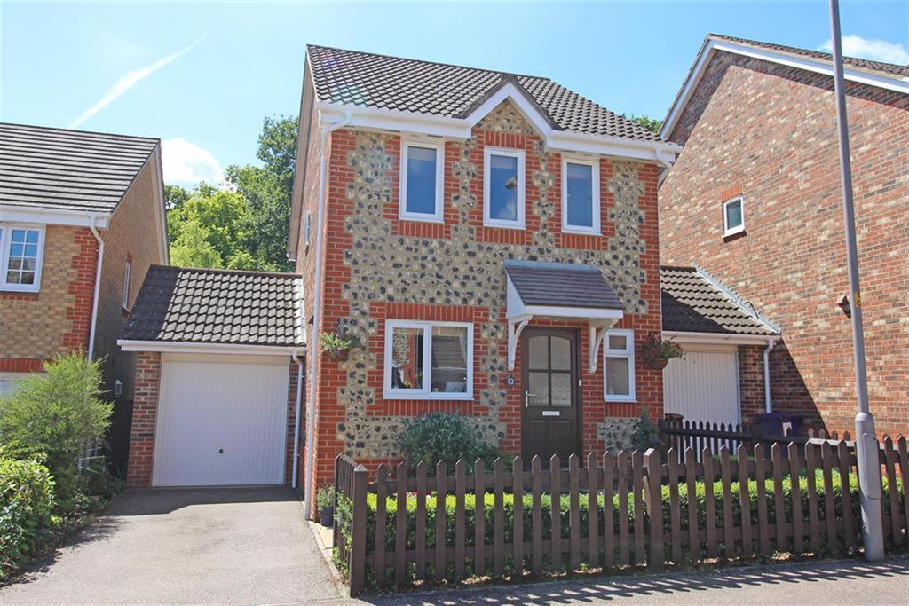 3 Bedrooms Detached House for sale in Thirlmere, Stevenage, SG1 6AH