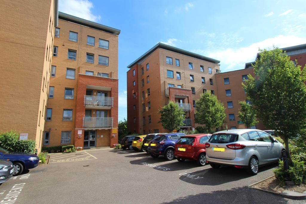 1 Bedroom Flat for sale in Danestrete, Stevenage, SG1 1YJ