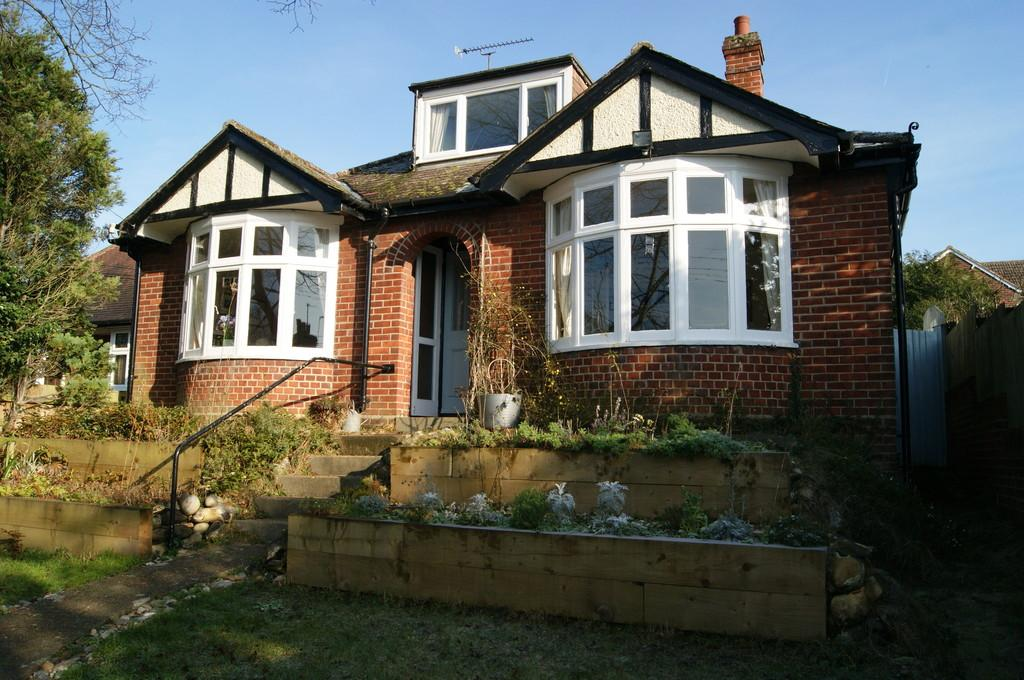 2 Bedrooms Detached Bungalow for sale in Melford Road, Sudbury