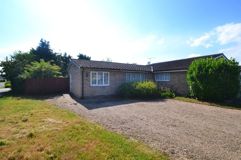 2 Bedrooms Semi Detached Bungalow for sale in Leigh Drive, Wickham Bishops
