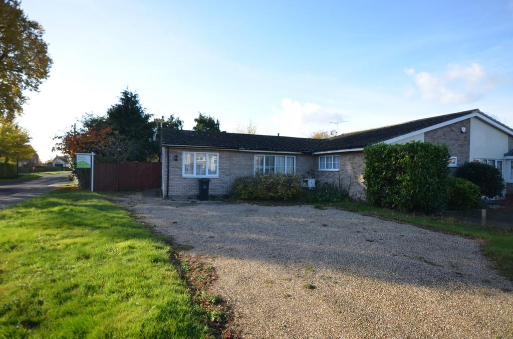 2 Bedrooms Semi Detached Bungalow for sale in Leigh Drive, Wickham Bishops, CM8 3JS