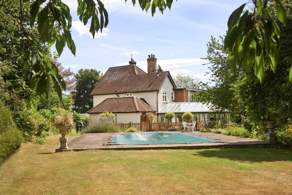 4 Bedrooms Detached House for sale in Prayors Hill, Sible Hedingham, Halstead