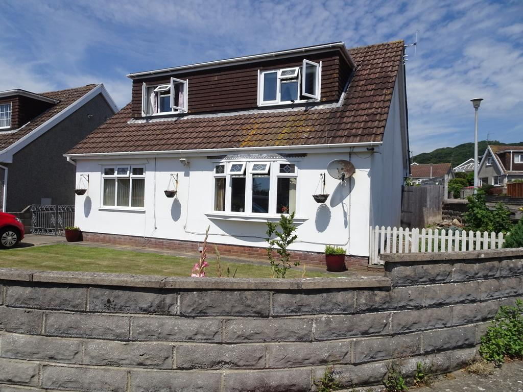 4 Bedrooms Detached Bungalow for sale in LIME TREE WAY, DANYGRIAG, PORTHCAWL, CF36 5AU