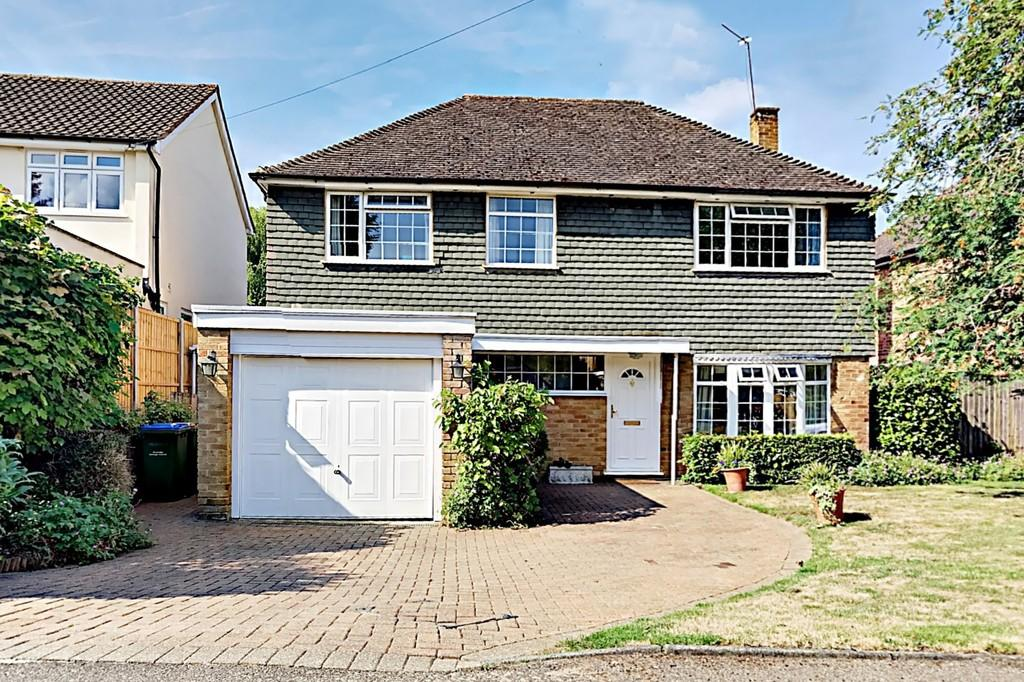 5 Bedrooms Detached House for sale in Cumbrae Gardens, Surbiton