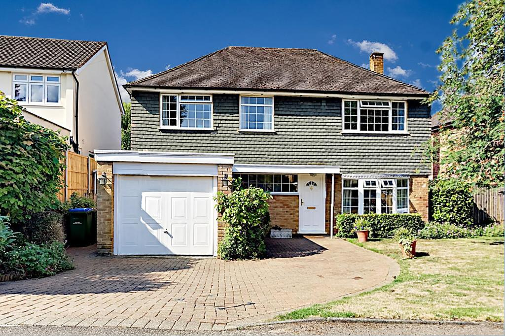 5 Bedrooms Detached House for sale in Cumbrae Gardens, Long Ditton