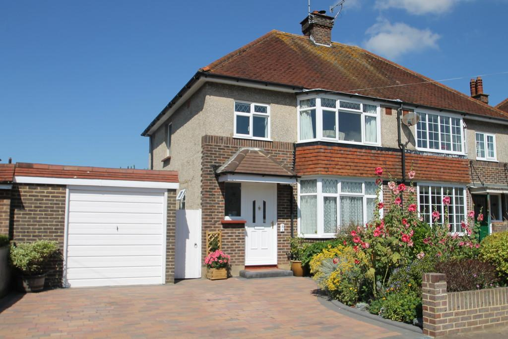 3 Bedrooms Semi Detached House for sale in Bellview Road, Worthing, BN13 1EY
