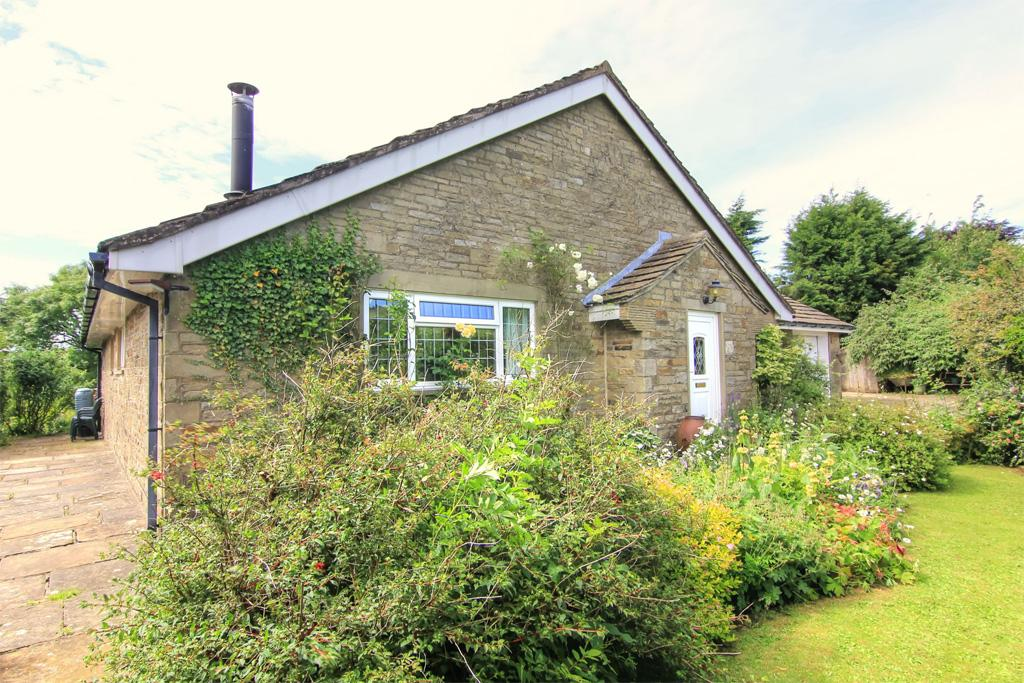3 Bedrooms Detached Bungalow for sale in Hilltop, Intake Lane,