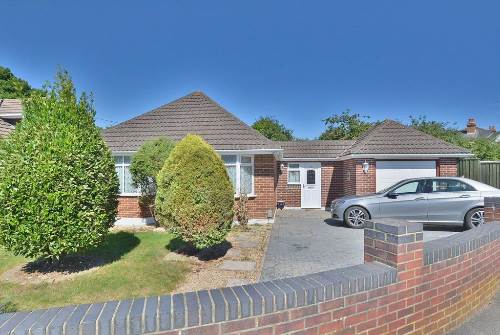 3 Bedrooms Detached Bungalow For Sale In Headswell Avenue Bournemouth