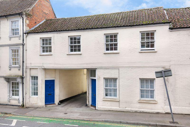 3 Bedrooms Apartment Flat for sale in Hill Street Court, Trowbridge