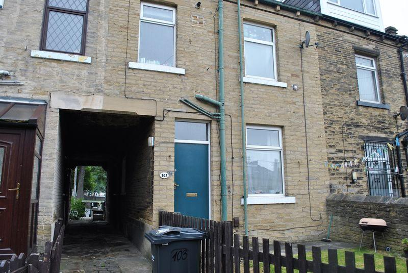 2 Bedrooms Terraced House for sale in West Park Road, Bradford