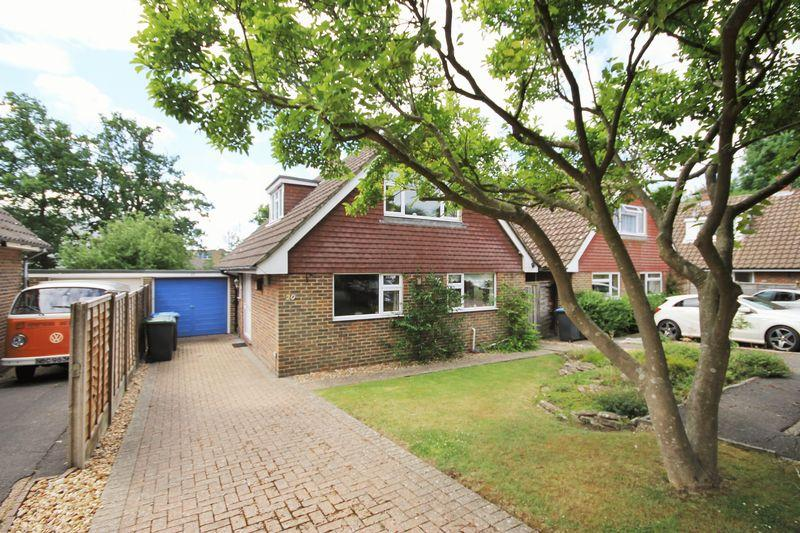 3 Bedrooms Detached House for sale in Meeds Road, Burgess Hill, West Sussex