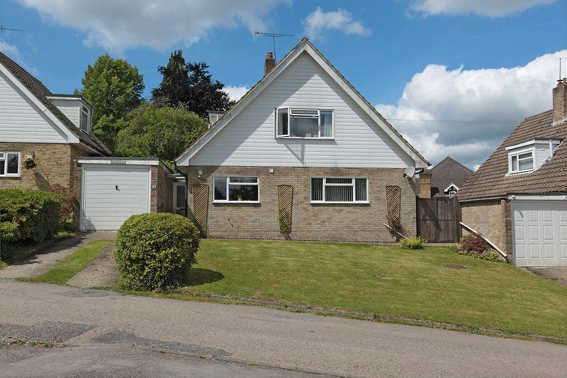 3 Bedrooms Bungalow for sale in Coopers Lane, Crowborough, East Sussex