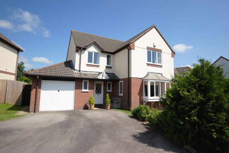 4 Bedrooms Detached House for sale in Highfield Park, Latchbrook Saltash