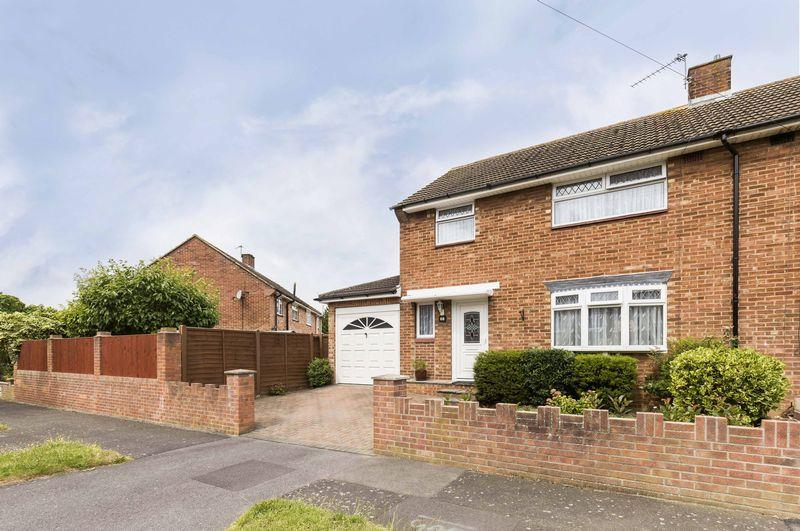 3 Bedrooms Terraced House for sale in Copsey Grove, Portsmouth