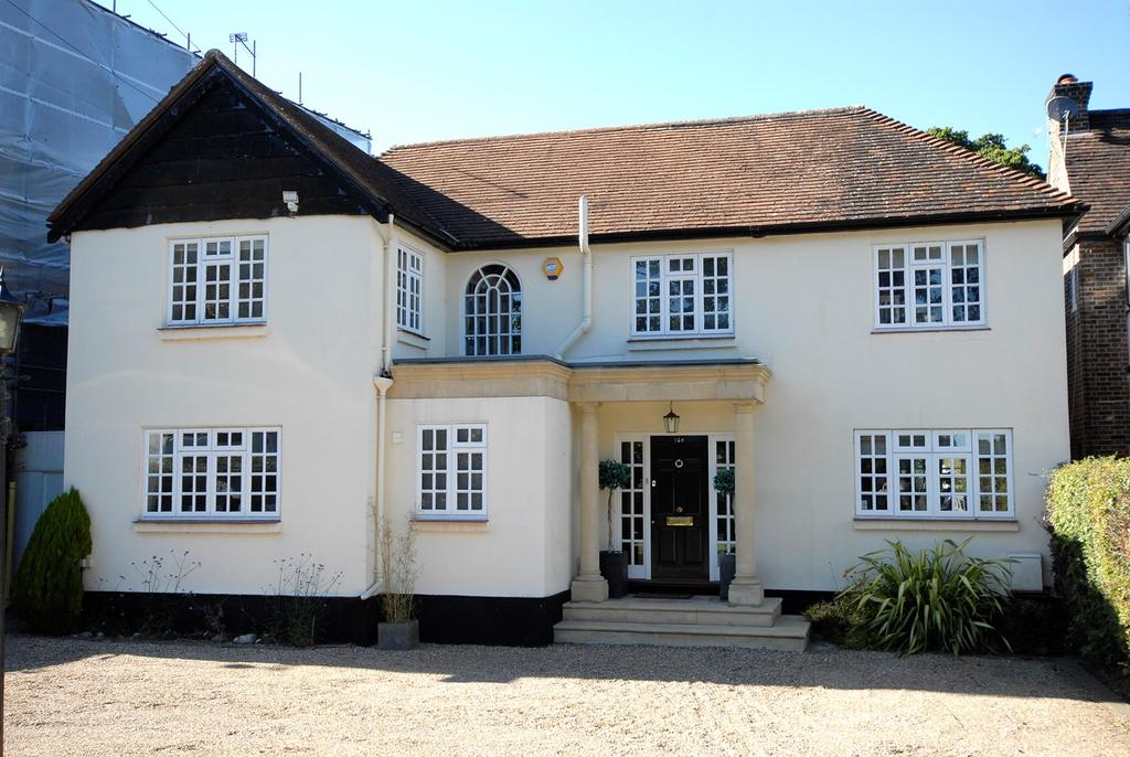 5 Bedrooms Detached House for sale in Barnfield Wood Road, Beckenham, BR3