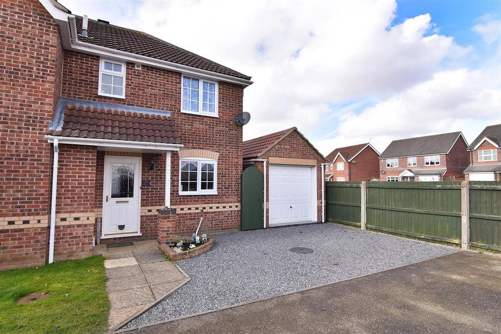 3 Bedrooms Semi Detached House for sale in Whittle Close, Boston, PE21