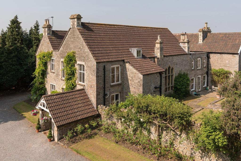 5 Bedrooms Country House Character Property for sale in Upper Tockington Road, Tockington, Bristol, BS32
