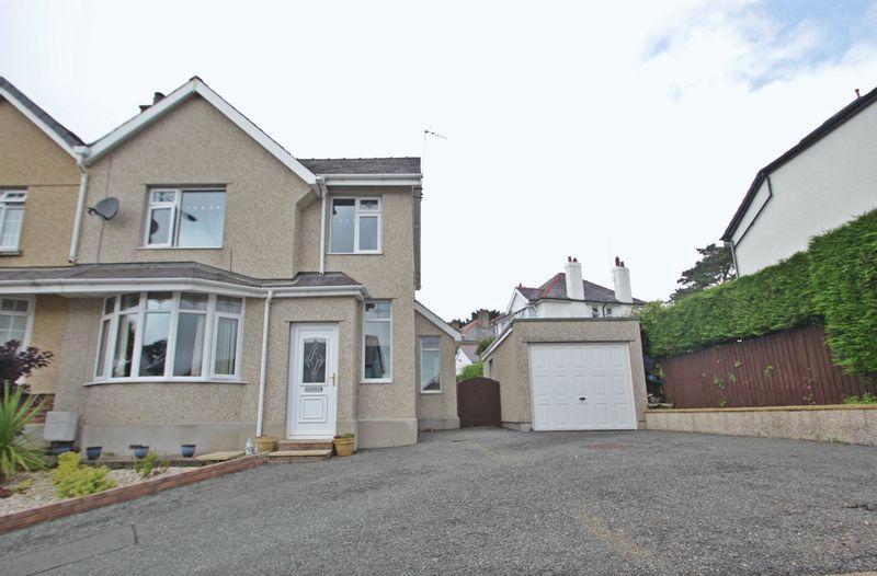 2 Bedrooms Semi Detached House for sale in Caernarfon, Gwynedd