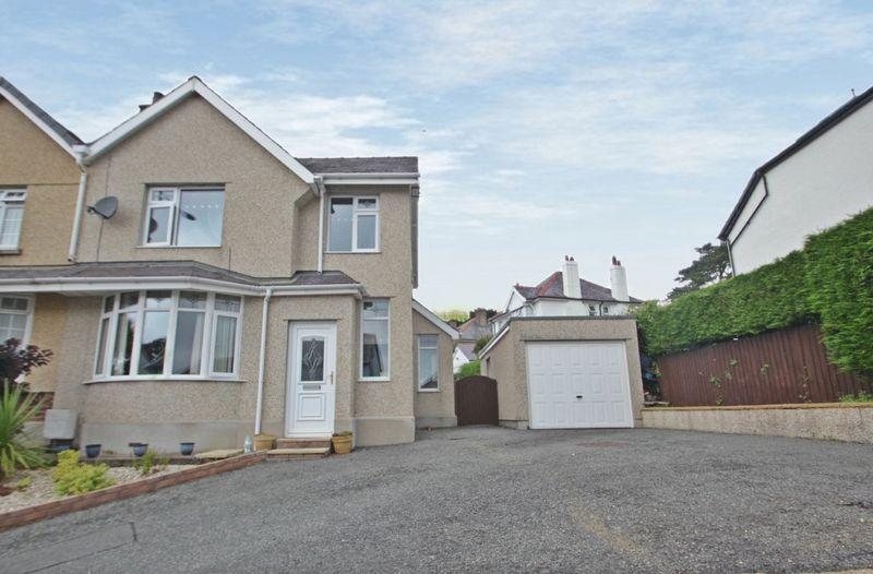 2 Bedrooms Semi Detached House for sale in Caernarfon, Gwynedd