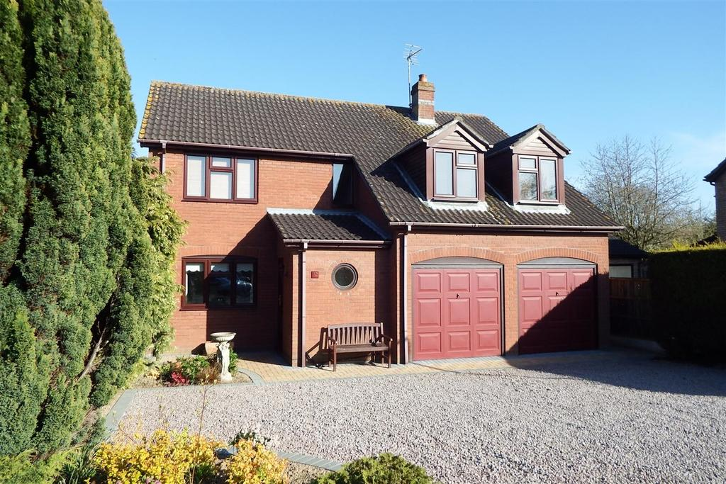 4 Bedrooms Detached House for sale in Ambleside Drive, Spalding, PE11