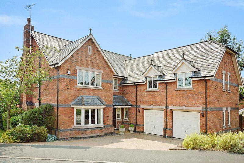 5 Bedrooms Detached House for sale in High Warren Close, Appleton