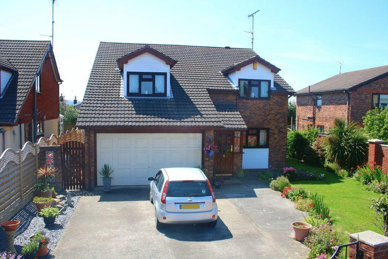 4 Bedrooms Detached House for sale in Llys Penyffordd, Rhuddlan