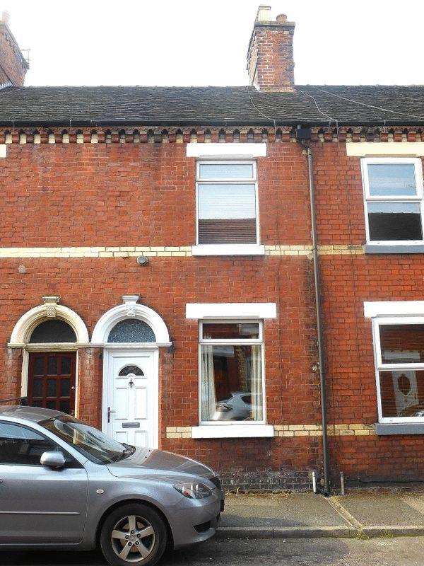 3 Bedrooms Terraced House for sale in Grove Street, Leek