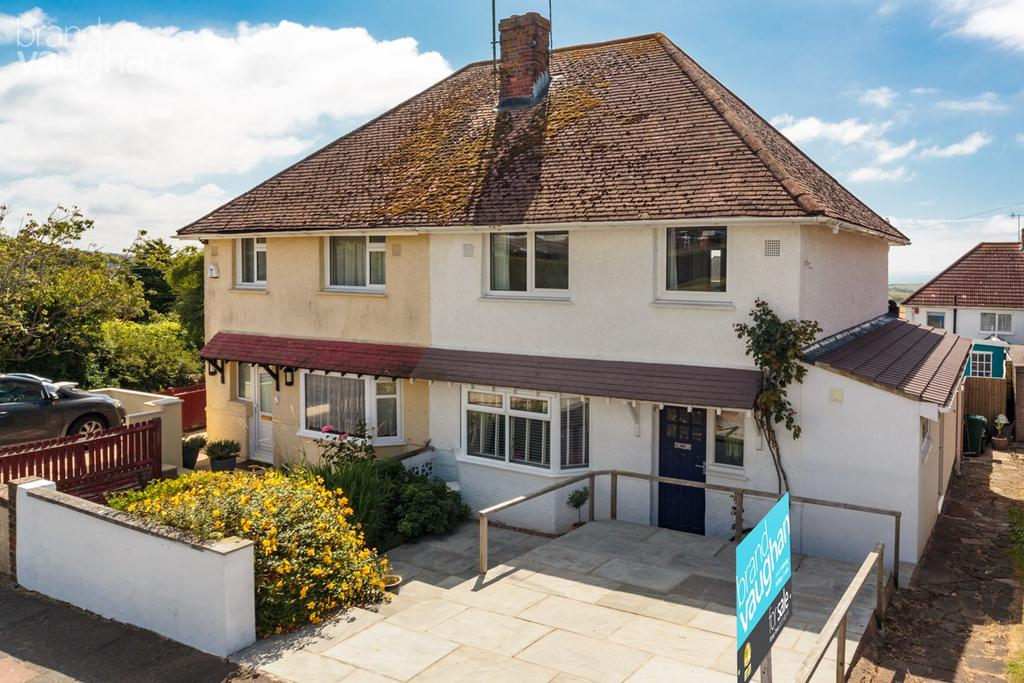 3 Bedrooms Semi Detached House for sale in Holtview Road, Brighton, BN2