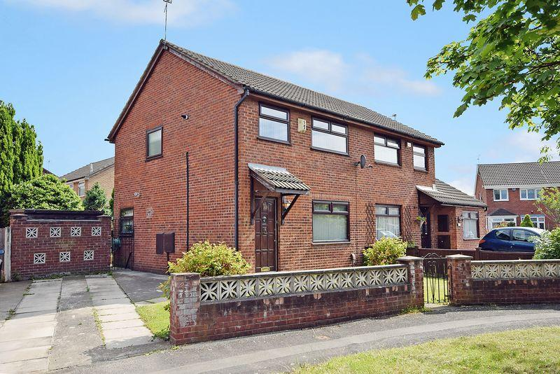 3 Bedrooms Semi Detached House for sale in Simonside, Widnes