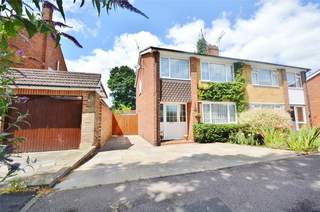 3 Bedrooms Semi Detached House for sale in Kilby Close, Gartson, Hertfordshire, WD25