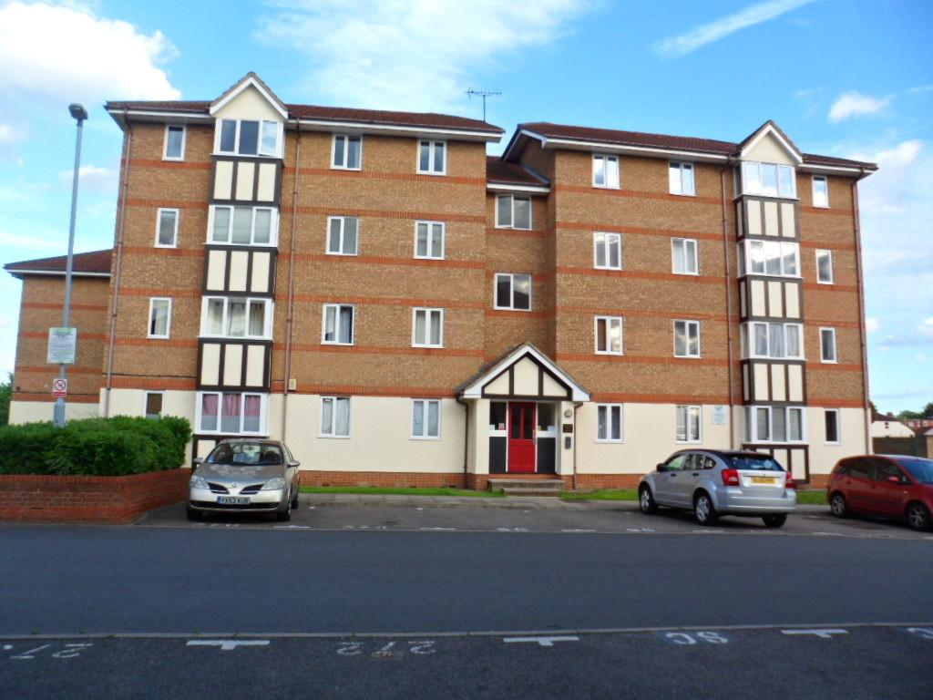 2 Bedrooms Ground Flat for sale in CHANDLERS DRIVE, ERITH, KENT, DA8 1LW