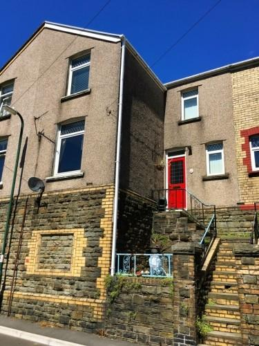 2 Bedrooms Terraced House for sale in Vivian Street, Abertillery, Gwent