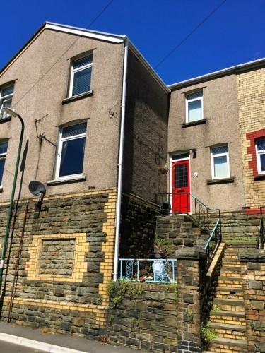 2 Bedrooms Terraced House for sale in Vivian Street, Abertillery, Gwent