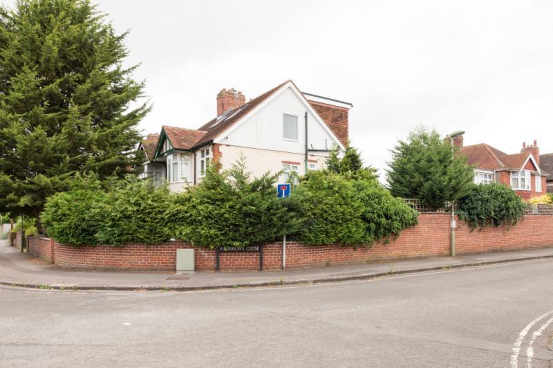 4 Bedrooms Semi Detached House for sale in Wharton Road, Headington, Oxford, Oxfordshire