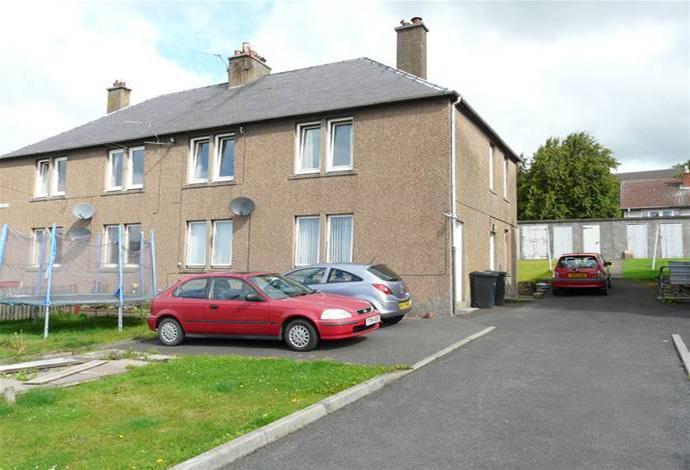 2 Bedrooms Flat for sale in 3 Summerfield, Earlston, TD4 6ES