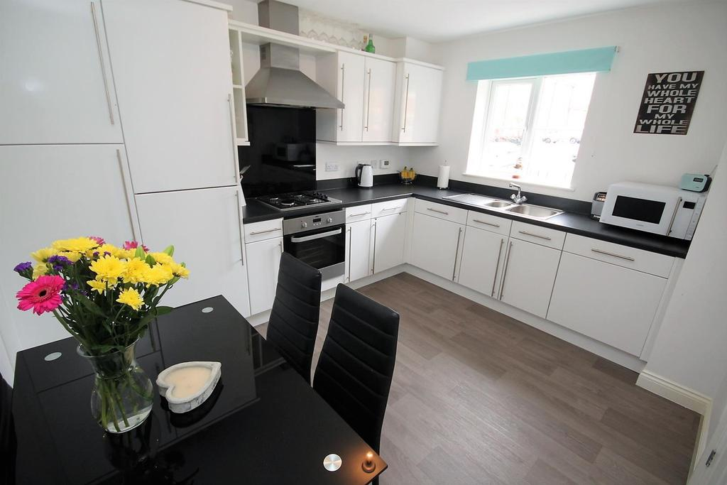 3 Bedrooms Semi Detached House for sale in Mulberry Wynd, Stockton-On-Tees