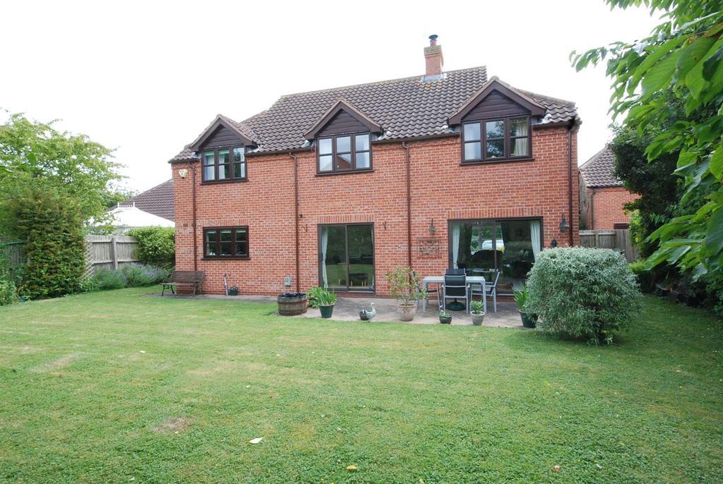 5 Bedrooms Detached House for sale in Acklands Lane, Long Bennington, Newark