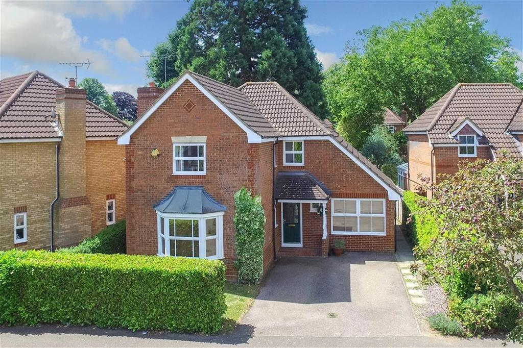 4 Bedrooms Detached House for sale in Russet Drive, St Albans, Hertfordshire