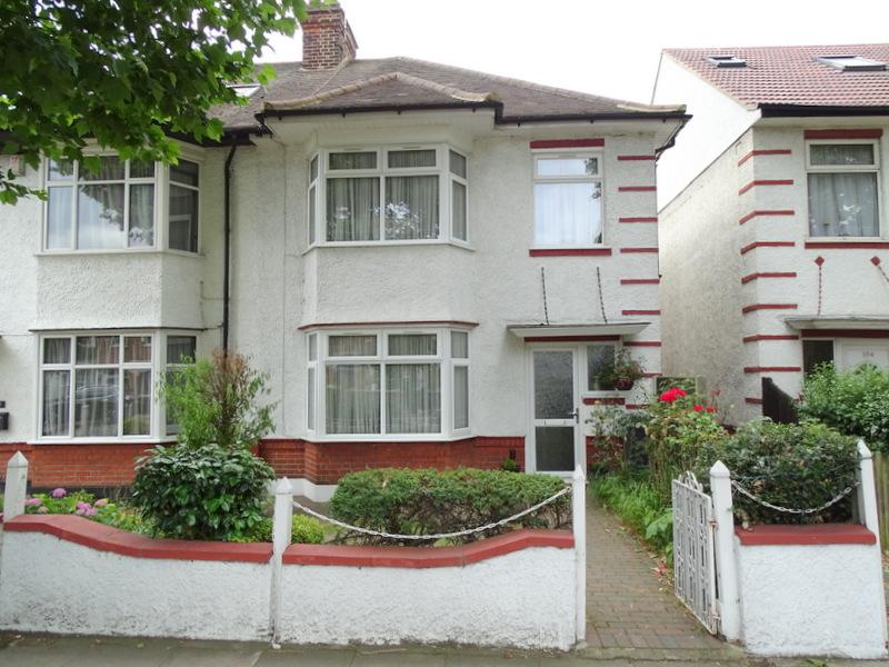 3 Bedrooms House for sale in Boston Manor Road, Brentford