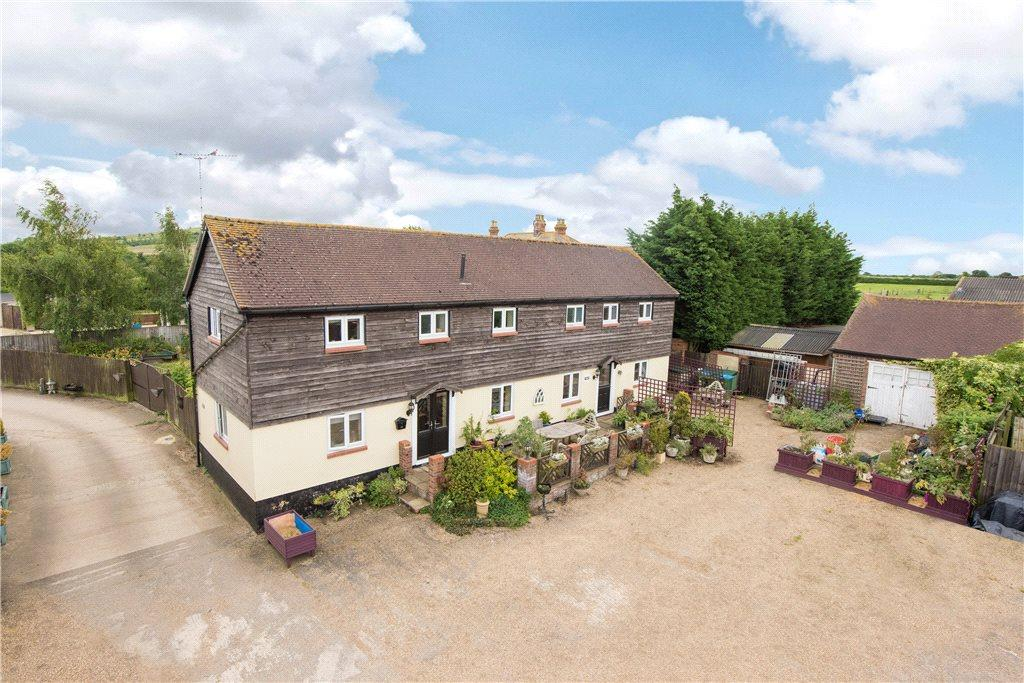 3 Bedrooms Barn Conversion Character Property for sale in Hogshaw Farm, Hogshaw, Buckinghamshire