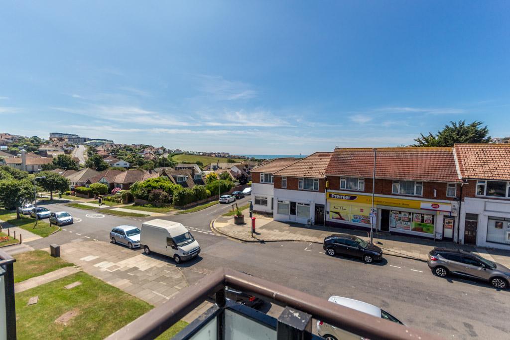 1 Bedroom Flat for sale in Mayfield Court, Lustrells Vale, Saltdean, Brighton BN2