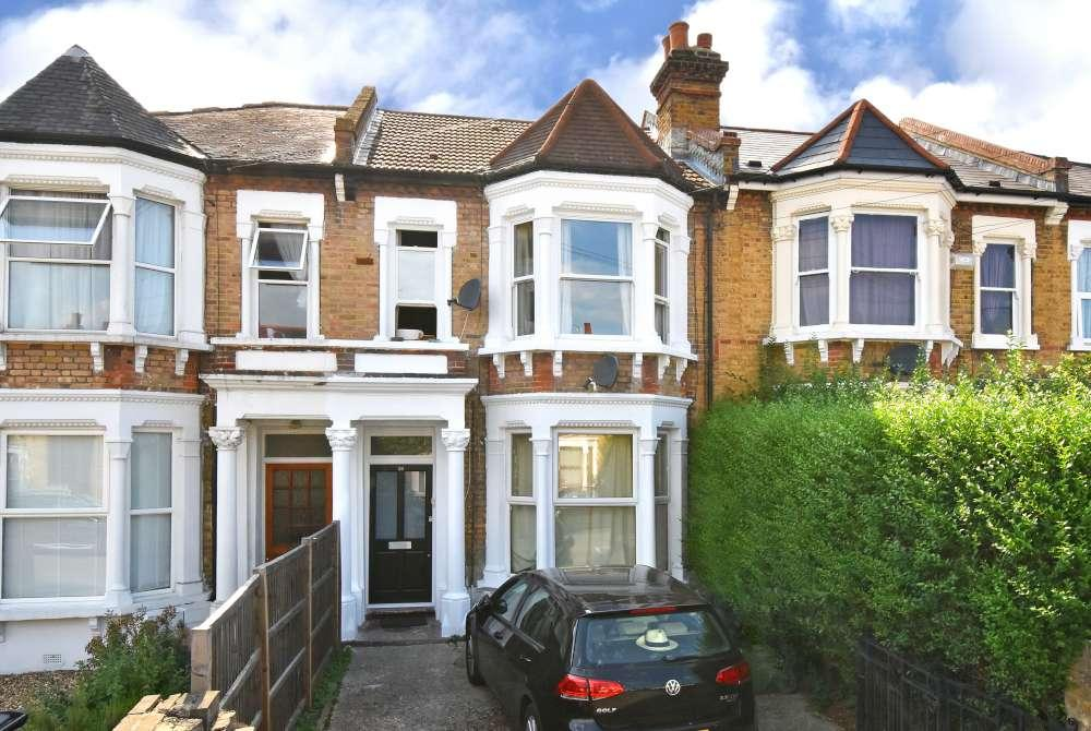 2 Bedrooms Flat for sale in Hurstbourne Road
