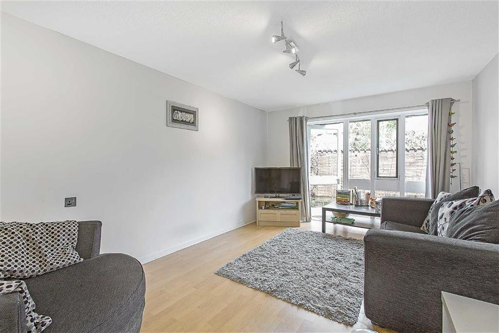 1 Bedroom Flat for sale in Derwent Road, Raynes Park, London