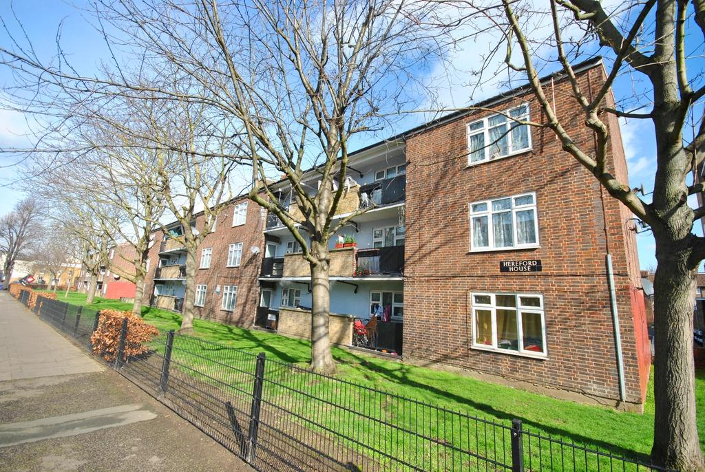 3 Bedrooms Flat for sale in Denmark Road Camberwell SE5