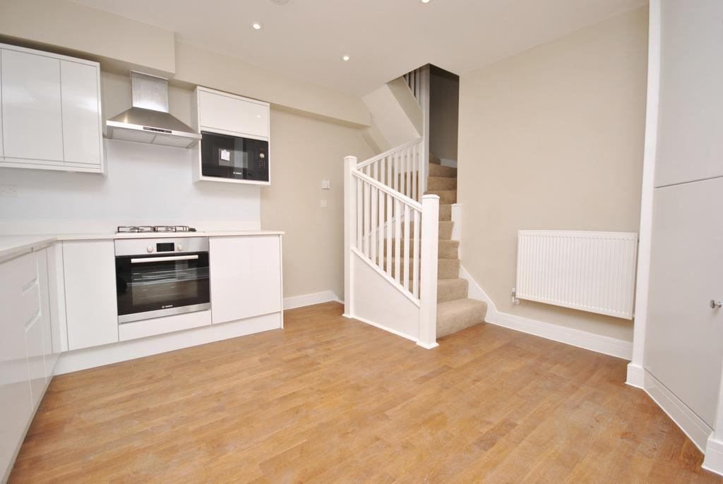 2 Bedrooms End Of Terrace House for sale in White Hart Road, Plumstead, SE18