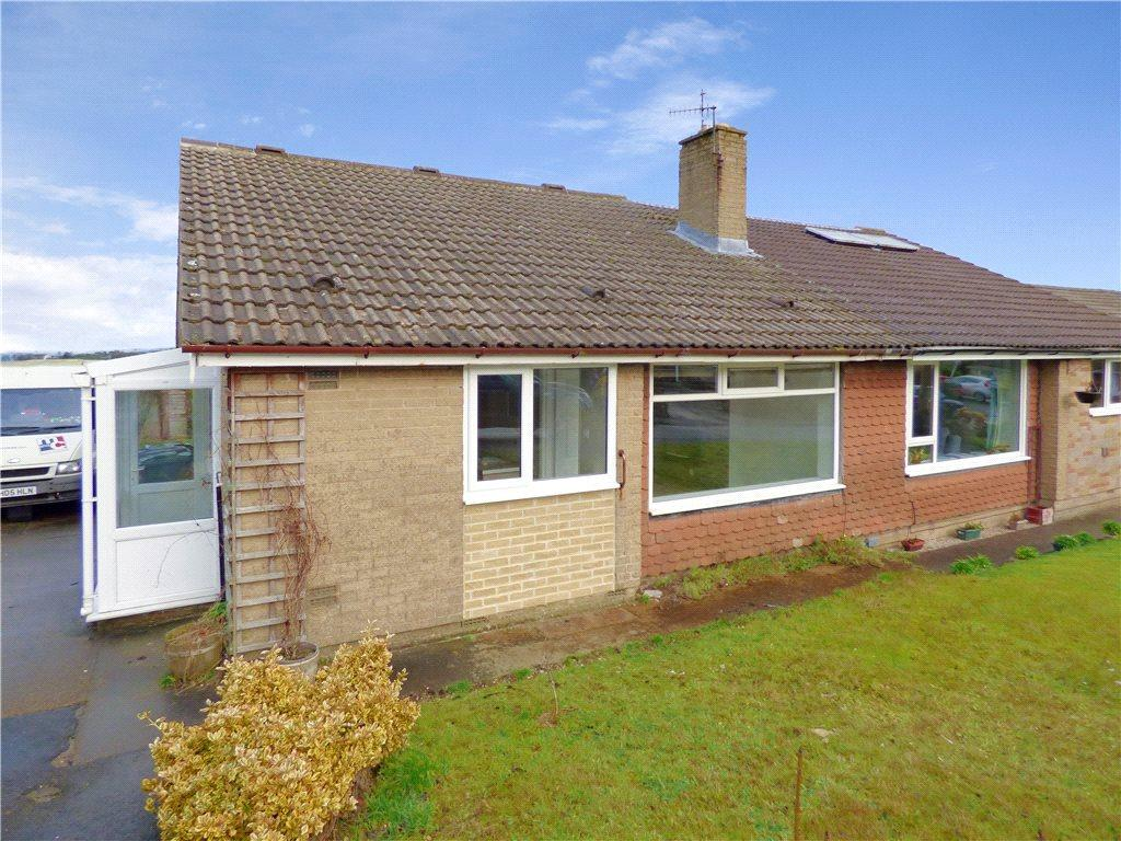 3 Bedrooms Semi Detached Bungalow for sale in Derwent Avenue, Wilsden, West Yorkshire