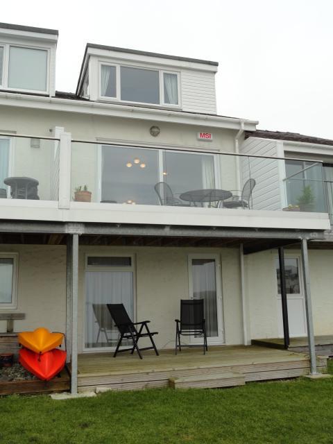 3 Bedrooms Terraced House for sale in FFORDD GLYDER, FELINHELI LL56