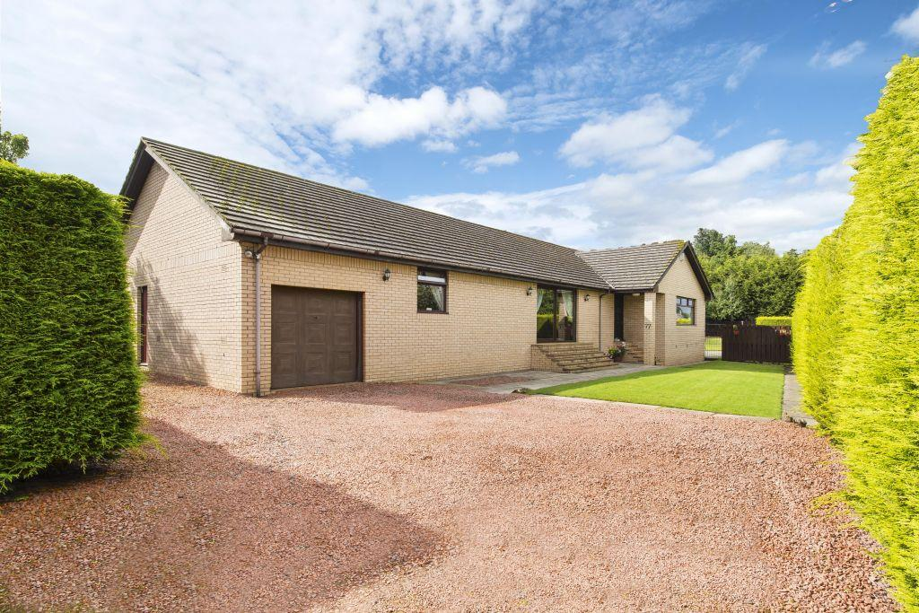 4 Bedrooms Bungalow for sale in 77 West Coats Road, Cambuslang, Glasgow, G72 8AW